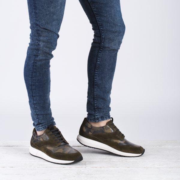 zapato deportivo piel camuflaje