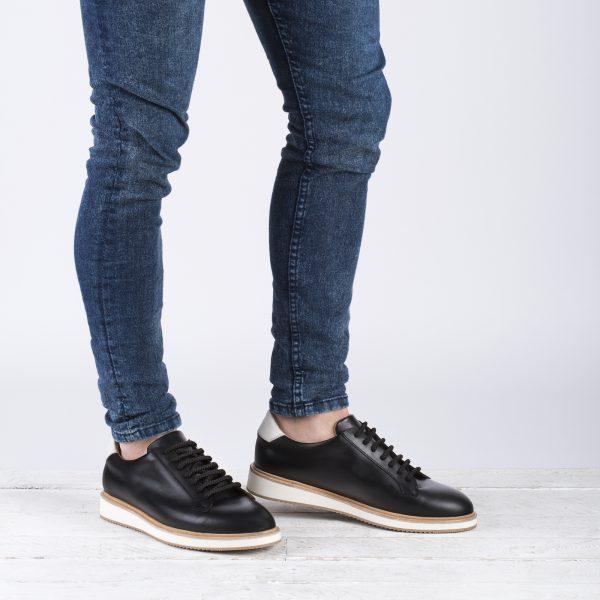 zapato deportivo negro hombre